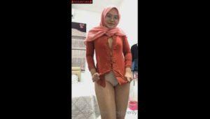 Jilbab Pink Colmek